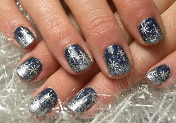 Mystic blue in combination with silver nail polish will perfectly highlight snowflakes on your nails. #winternails #naildesign