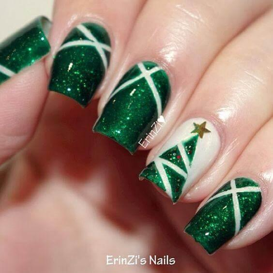 Polish your nails in green and add just a small detail on your ring finger. Delicate Christmas tree will make your manicure eye-catching. #winternails #naildesign