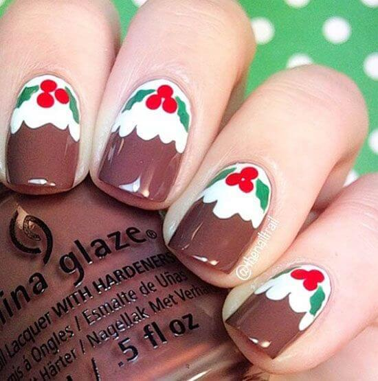 Typical Christmas design means a green tree with red berries. This design represented all that but mapped on your nails. #winternails #naildesign