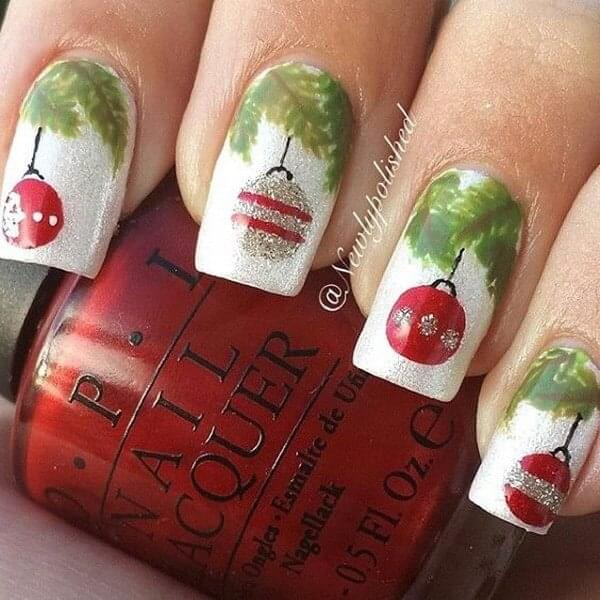 Christmas tree and baubles on your fingernails will describe you do you feel about holidays. We can't wait for them! #winternails #naildesign