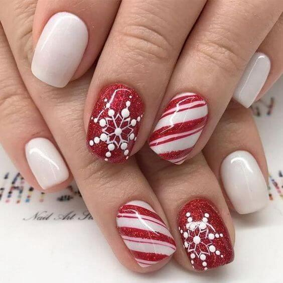 Combination of candy and winter design on your nails can only be good, right? #winternails #naildesign