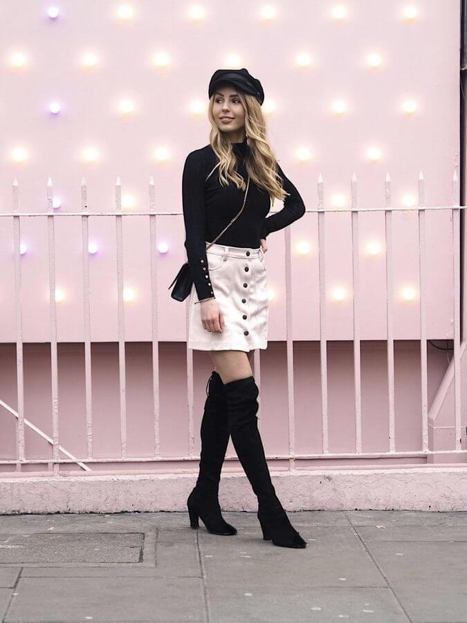 A Parisian-inspired combination like this is easy to combine. This can be your day-to-night look. For going out just add your favorite piece of jewelry. #cluboutfit #highboots