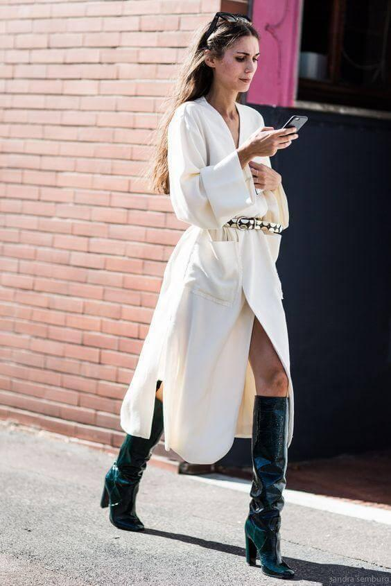 Wrapped dresses should be your number one for winter time. Why? First of all, they are versatile, you can wear them with any other item - jacket, long coat or trench. #highboots
