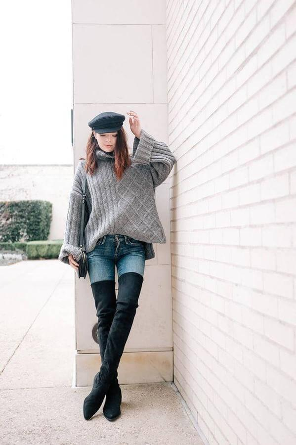 With the first signs of fall, jump in your favorite over the knee boots, add a chunky sweater, and a hat. They are comfortable with a flat heel and made of perfect black suede. This look is ideal for leisure Sundays, strolls in the park or coffee break in your favorite cafeteria.