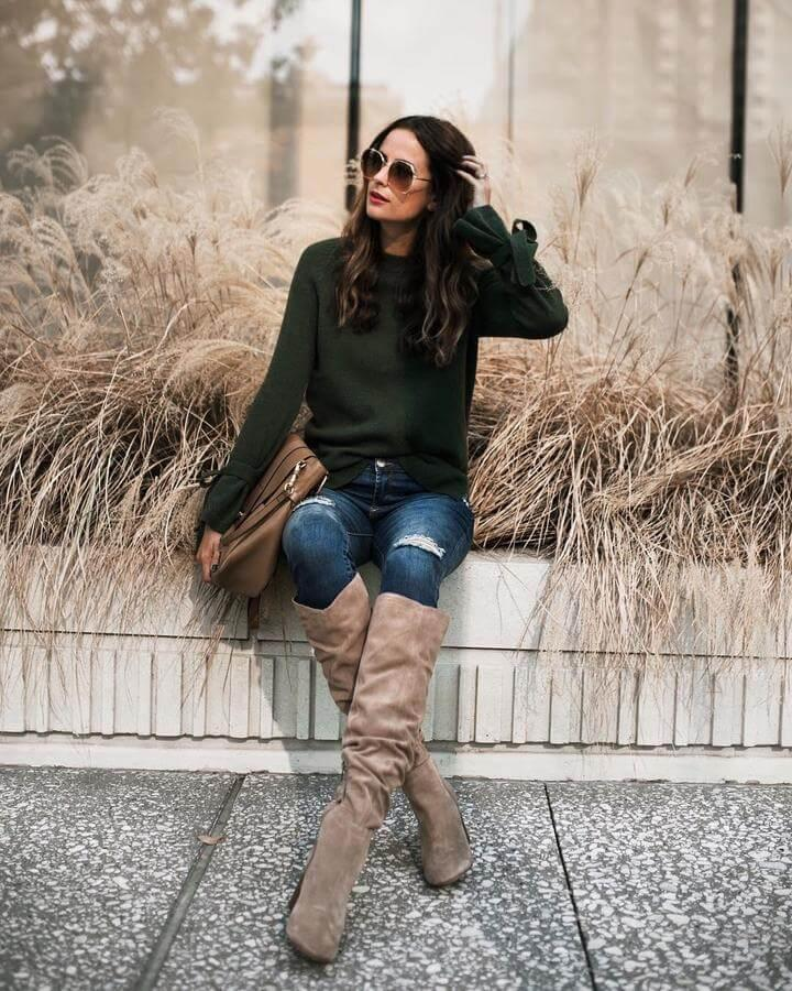 Did you know that emerald and beige make one perfect combination? You can wear this lovely combination during the fall and winter months. You can style this outfit as every day or working attire.