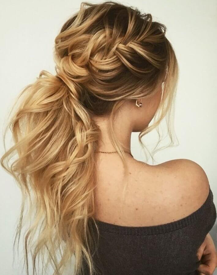 55 Elegant Prom Hairstyles - BelleTag