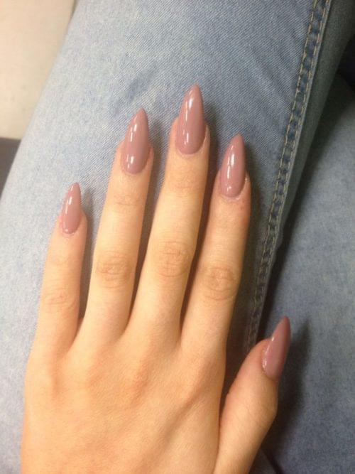 Sand Almond-Shaped Nails