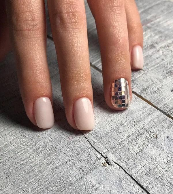Neutral Nails with Interesting Detail