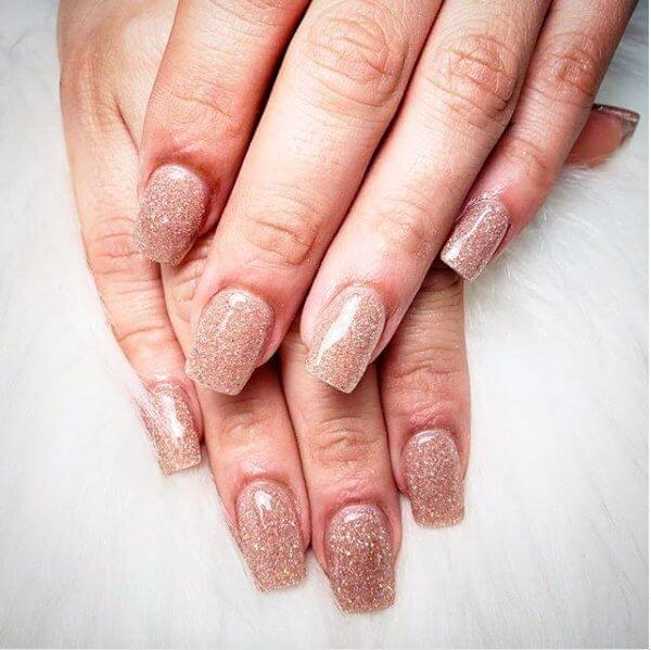 20+ Simple And Elegant Dip Powder Nails - BelleTag