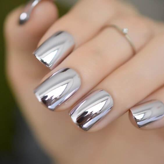 Chrome Nails in Silver