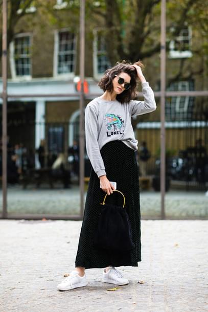 Maxi Skirt Together with Sneakers