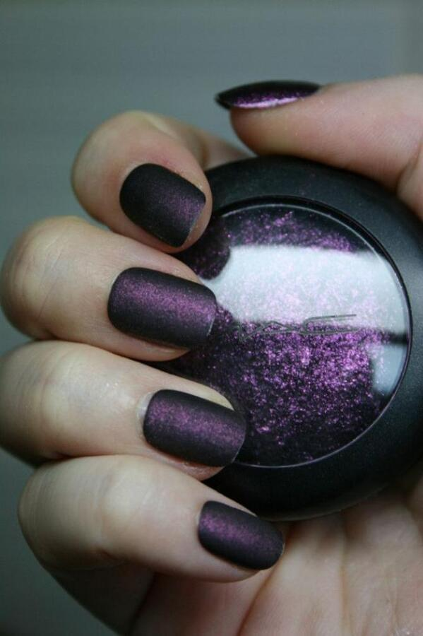 Matte Nails with Eyeshadow