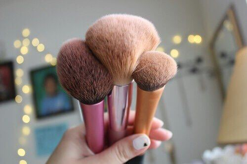 For the perfect bronze application, invest in a good bronzer brush.