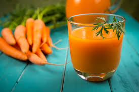 Carrot and papaya smoothie