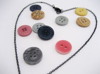 DIY button barrel necklace steps 1