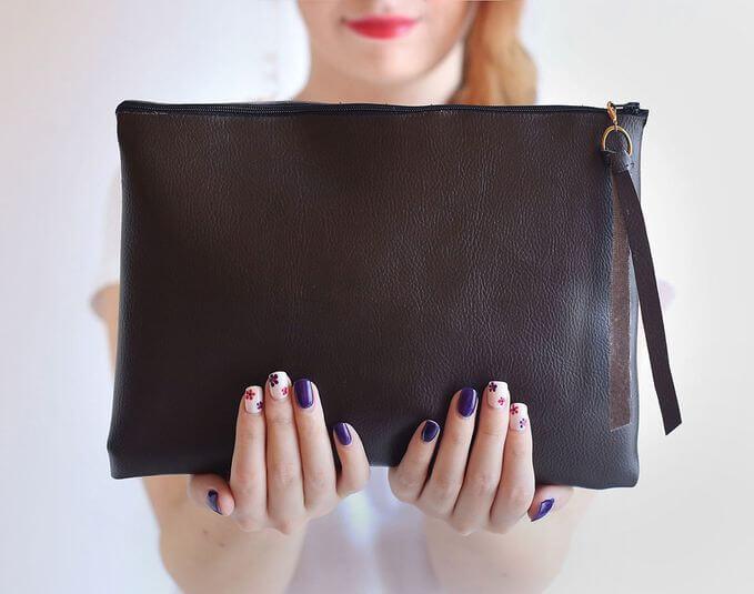 A black no-sew hand bag