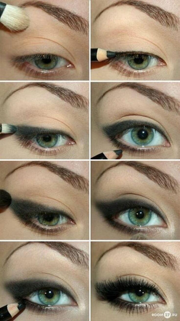 A smudged black eyeliner look