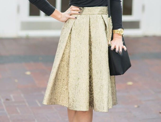 Elegant look made with striking skirt color.