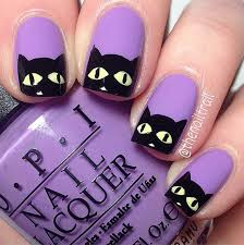 This design is irresistible for cat lovers.