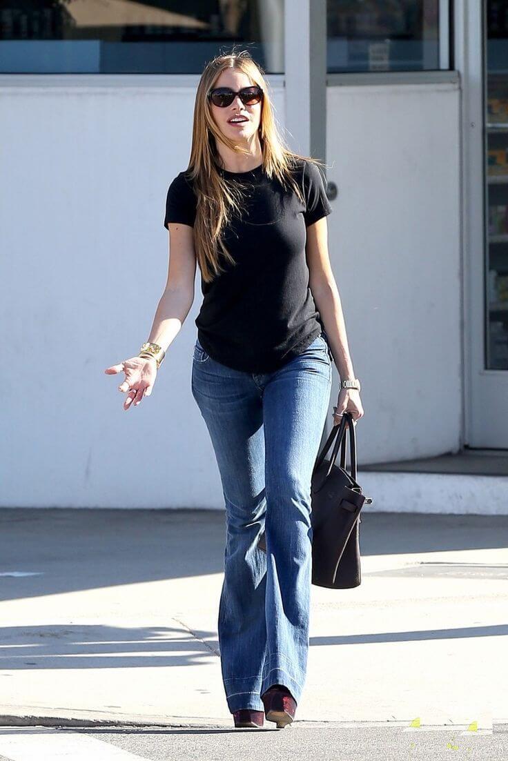 Sofia Vergara wearing bootleg cut jeans