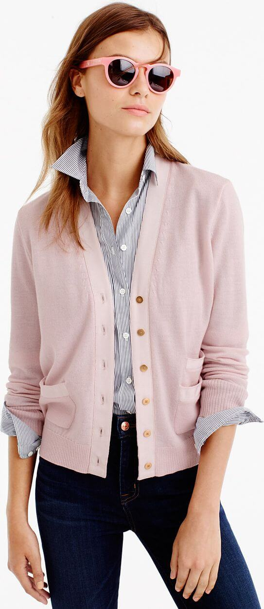 Casual look with knitted cardigan.