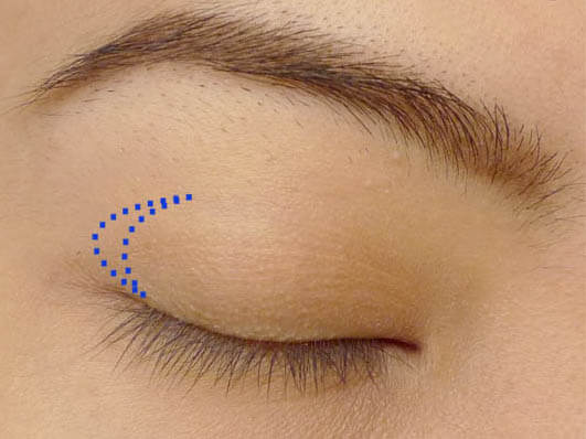 Visual guide on where to apply eyeshadow to define outer V