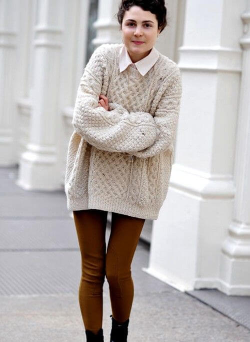 Oversized knitted sweater.