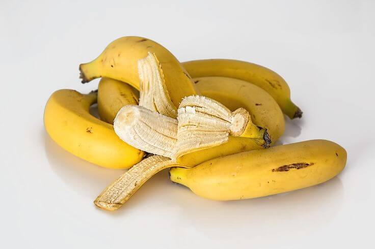 Bananas not only feel good in a mask but also contain many helpful ingredients.