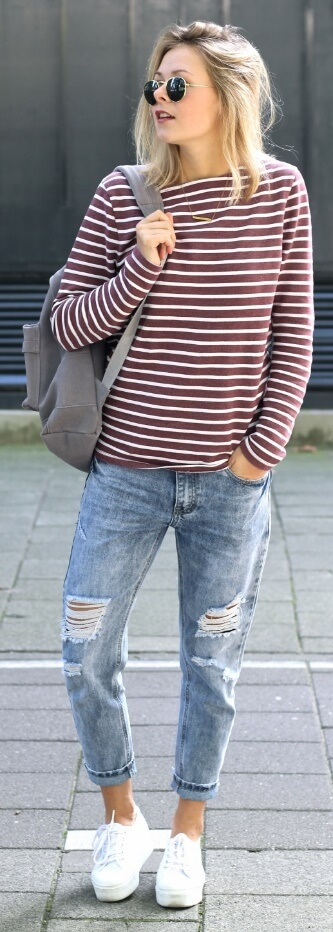 Take it easy in horizontal stripes and easy-fit denims.