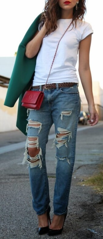 A touch of red and green spice up this outfit of basics.