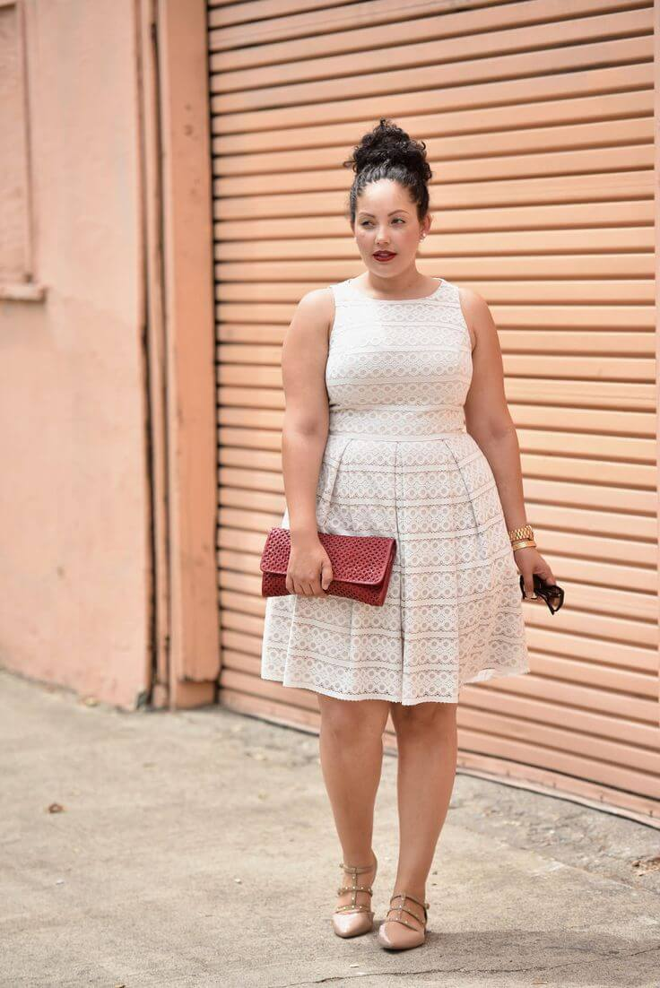 White dress and nude shoes is a match made in fashion heaven!
