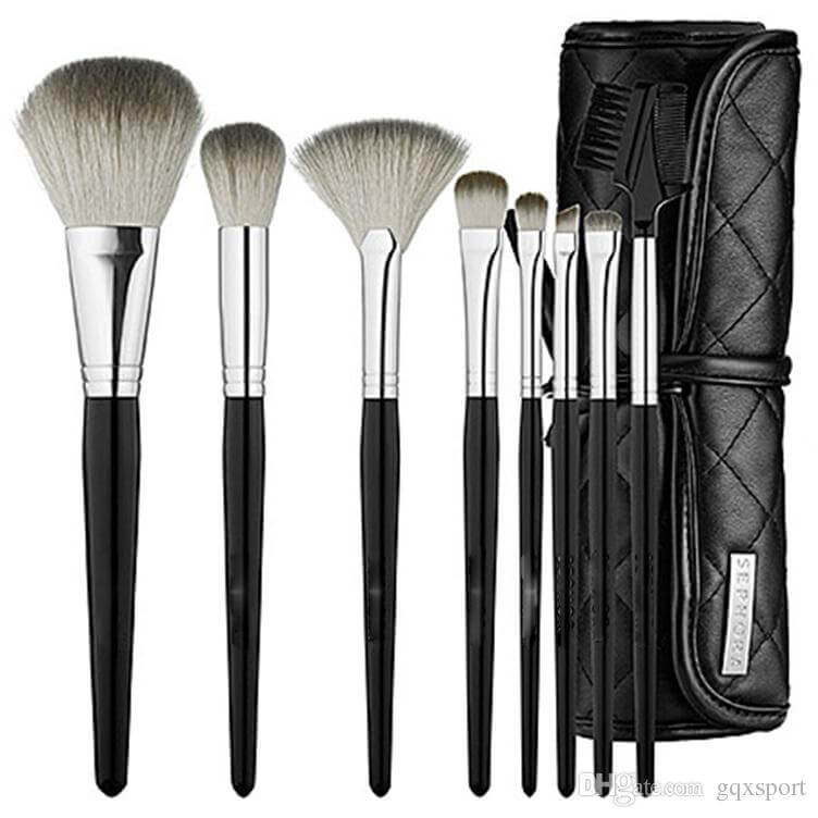 Sephora's Tools Of The Trade Brush Set comes with eight brushes and a handy travel case that is easy to throw in your bag on the go.