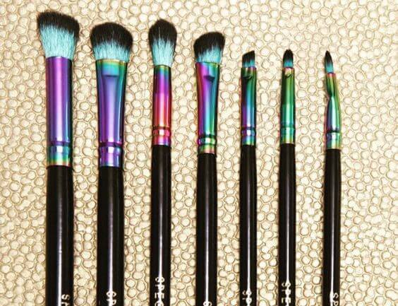 Have your brushes be just as impressive as your makeup skills. Spectrum's rainbow metallic brushes with black handles will be a centerpiece for any vanity display.