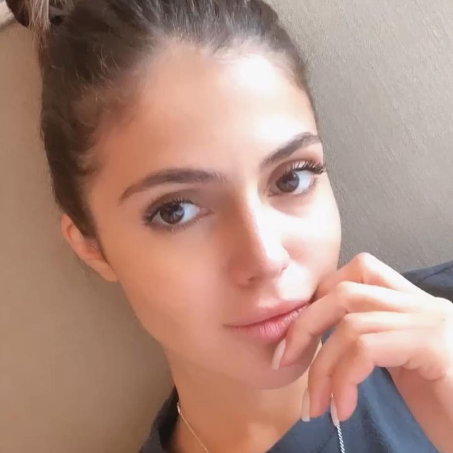 Eye makeup tutorial for brown eyes