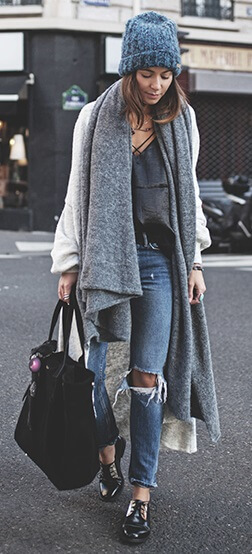 Love your oversized scarf? No need to stop there – wear it with an oversized ankle-length woolen gilet for all-day cozy warmth.