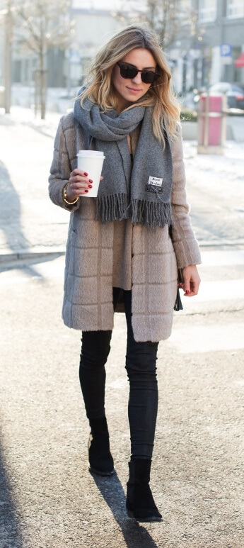 When the weather is bleak and miserable, simplicity is key. Neutral shades give you that easy-going glamour, especially when a soft woolen scarf is added to the mix.