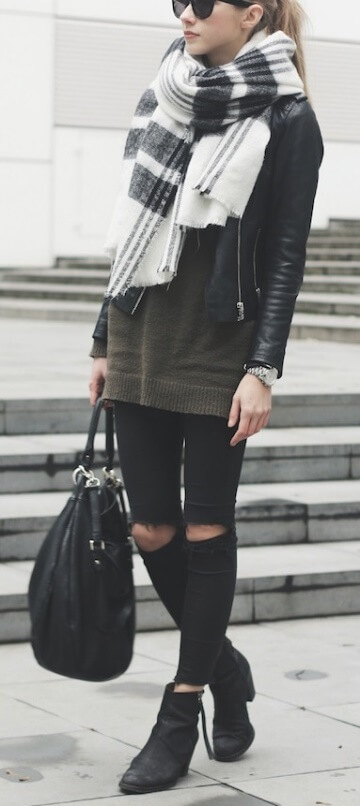 Let an oversized scarf steal all the spotlight. Choose one in black and white then keep the rest of the outfit dark and moody – cool and edgy!