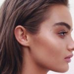 Simple and actionable advice and tips on how to take care of the skin and do a makeup that is not only sweat-proof but also long lasting during hot summer days.