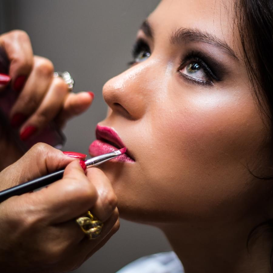 Habits and choices in our makeup routines that must better be avoided. Find out surprisingly common makeup mistakes that you should avoid at all costs.