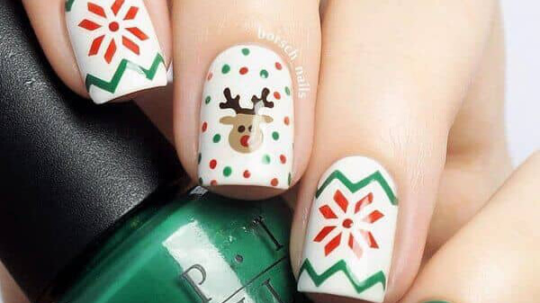 A collection of pretty nail designs perfect for winter holiday season. Check beautiful nail art yourself and pick something to try already this December.