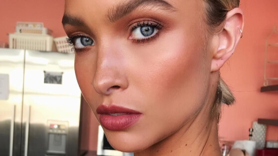 As all makeup artists suggest to go nude and natural for spring, we have gathered all the best makeup ideas that you should definitely try.
