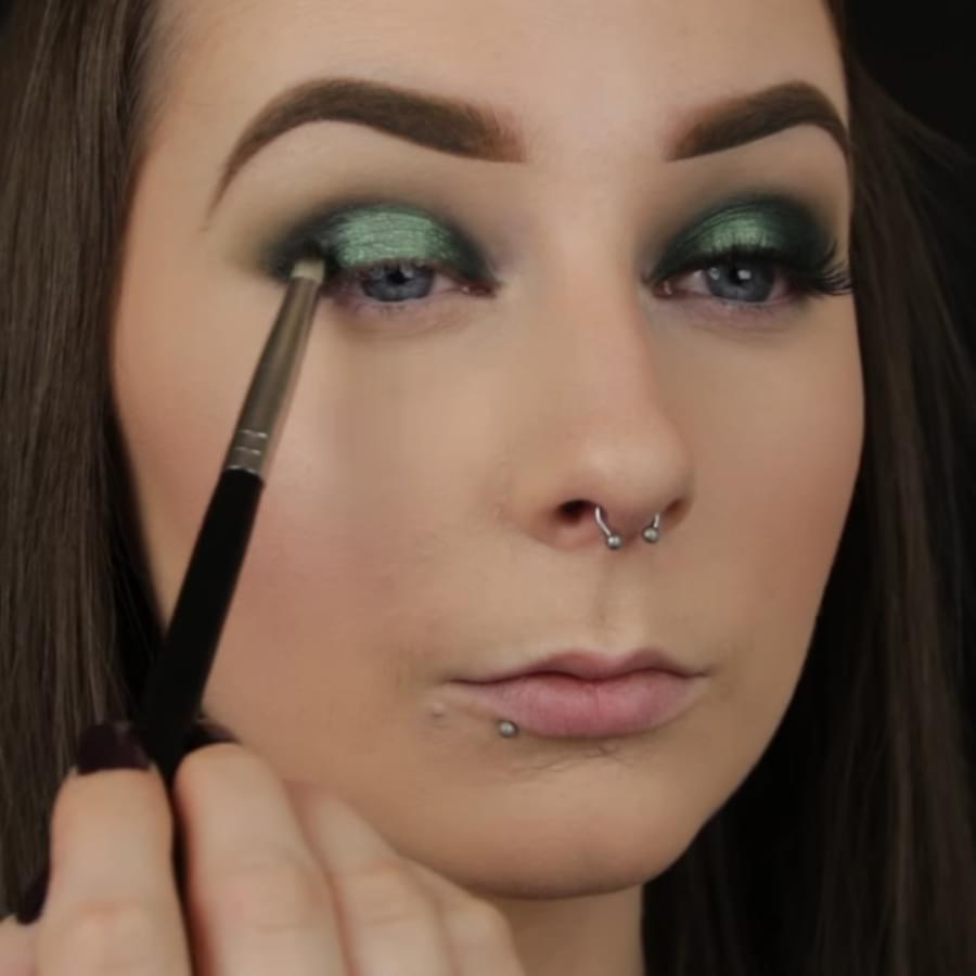 Best Tips and Ideas for Trendy Green Eyeshadow Looks - BelleTag