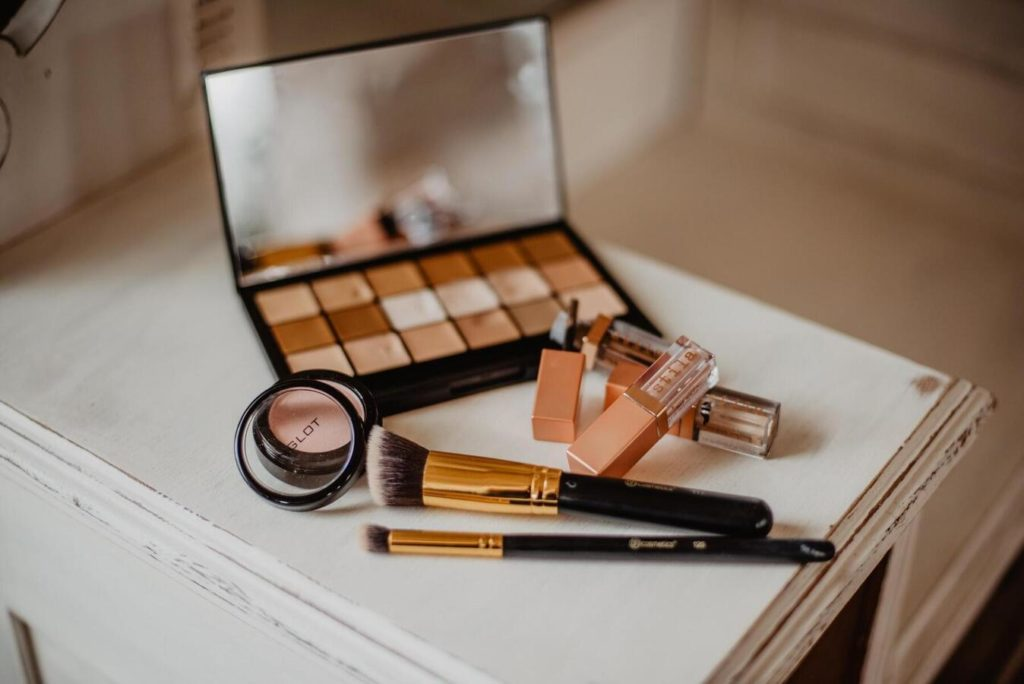 Makeup toolset