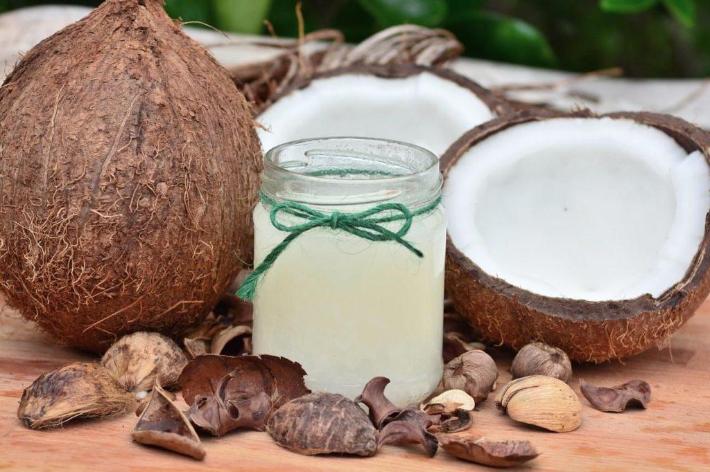 Natural homemade shampoo recipe with coconut milk